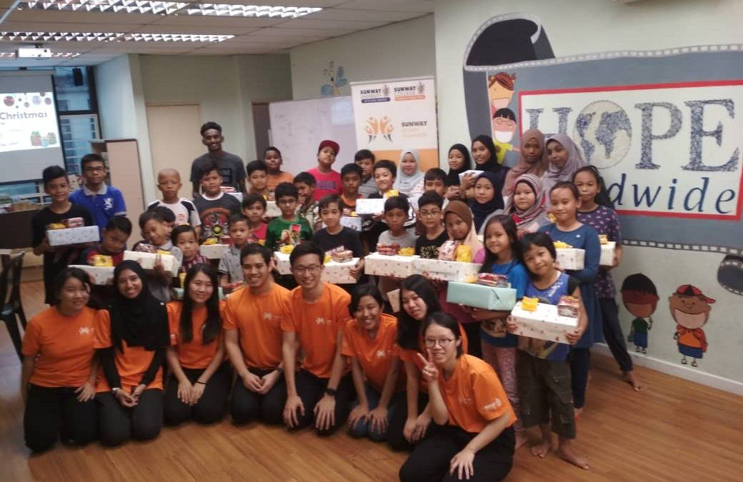Shoebox Christmas with Sunway Student Volunteers